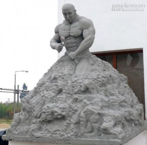Tự điêu khắc mình, quá trình này có thể rất đau đớn nhưng điều cuối cùng đạt được đó là bạn sẽ trở thành một người tốt hơn