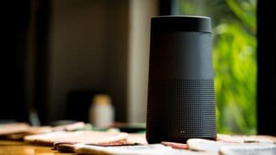 Tặng ngay loa Bose SoundLink Revolve khi thuê máy chủ tại AZDIGI